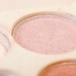 大掃除で出てきた化粧品が使用期限切れ 未開封なら使えるの?