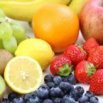 フルーツを食べると喉がかゆくなるのはなぜ?花粉症との関係