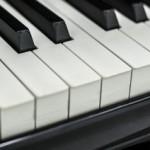 ピアノ初心者が練習で戸惑うのは何?上達する練習方法と曲