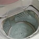 粉洗剤と液体洗剤、どちらがお得?運送効率が関係している?