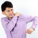 肩が脱臼したときの応急処置 やってはいけないこととは?