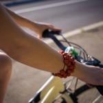 腕にシミができる原因とは?シミを消す方法と作らない対策