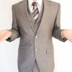 スーツのカビ取りを自宅でおこなう方法とカビを発生させない対策